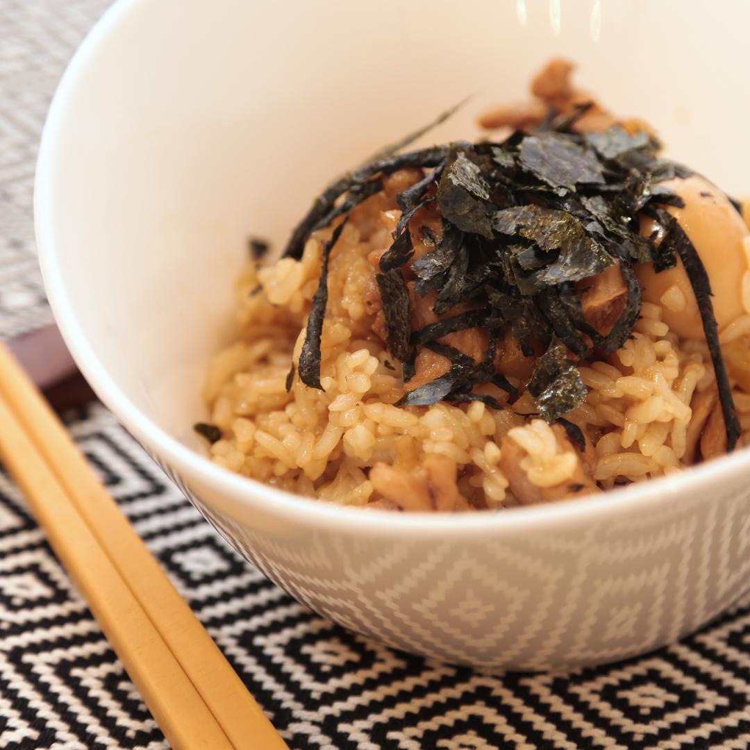 鈴木さん家のねぎ香る鶏肉のまぜご飯