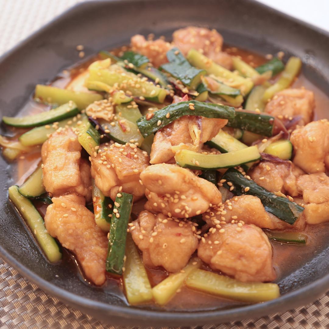 木原さん家の鶏肉ときゅうりのうまカラ炒め