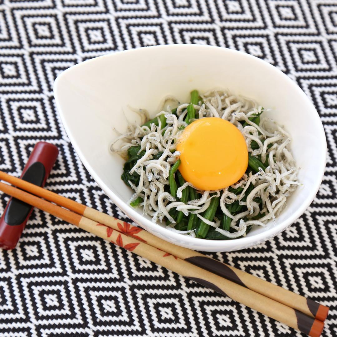 鈴木さん家のじゃことほうれん草と卵黄のマリアージュ