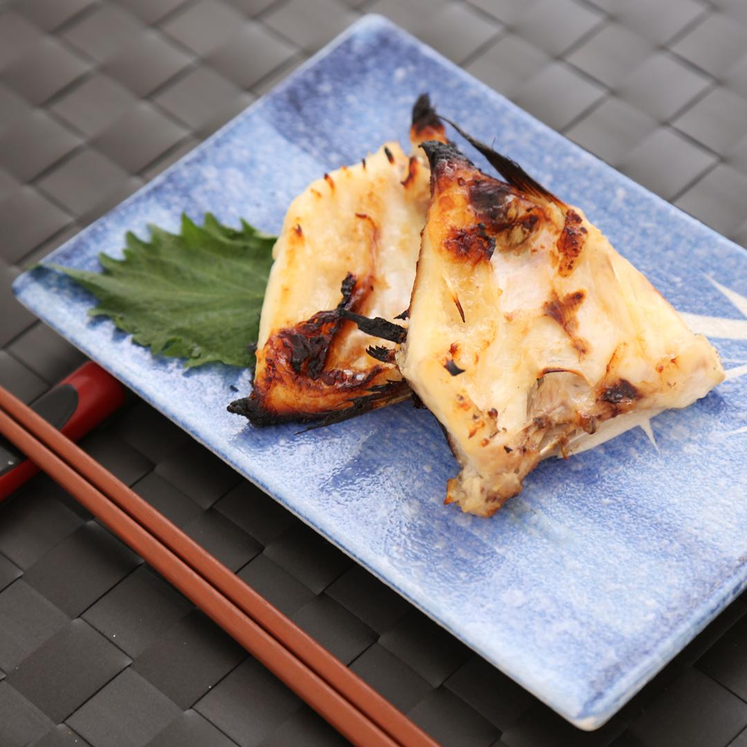 中村さん家の鯛のカマの塩麹焼き