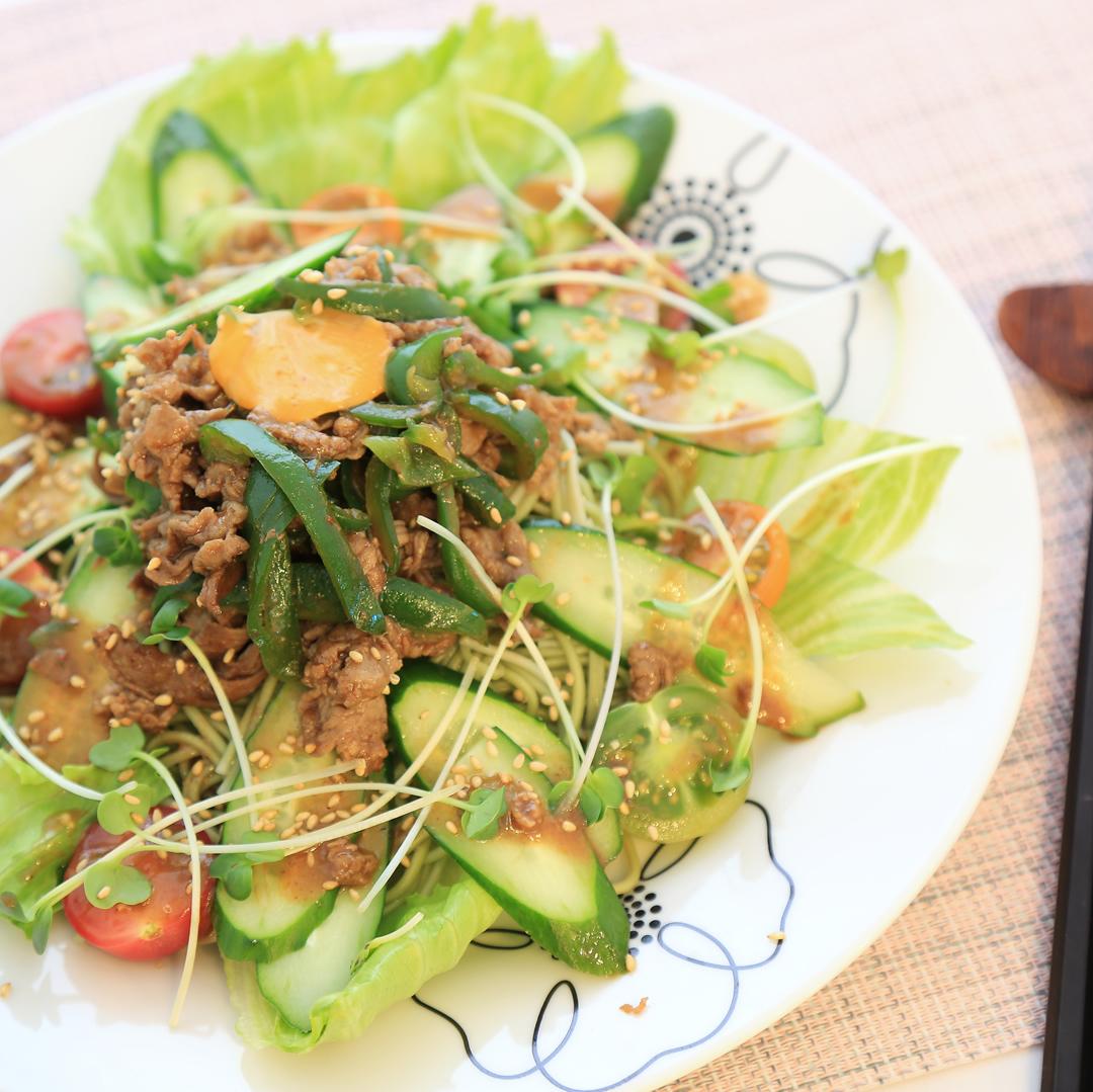 村上さん家の男の焼き肉サラダ麺