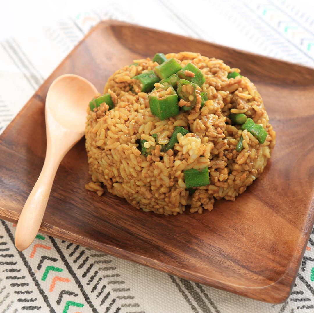 山村さん家のオクラとひき肉の混ぜカレーご飯
