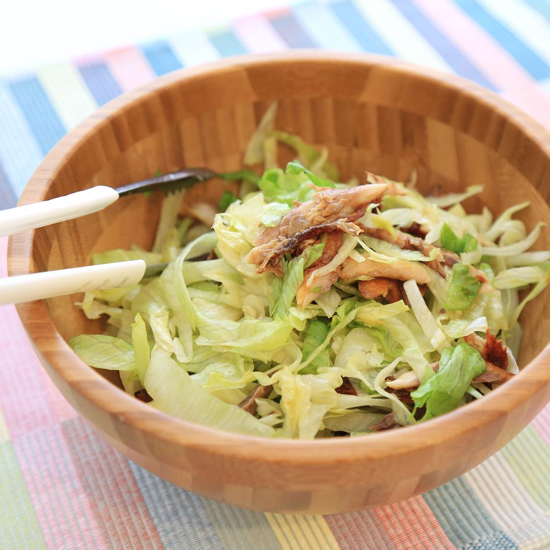 佐々木さん家のさんまの干物とレタスのポンサラダ