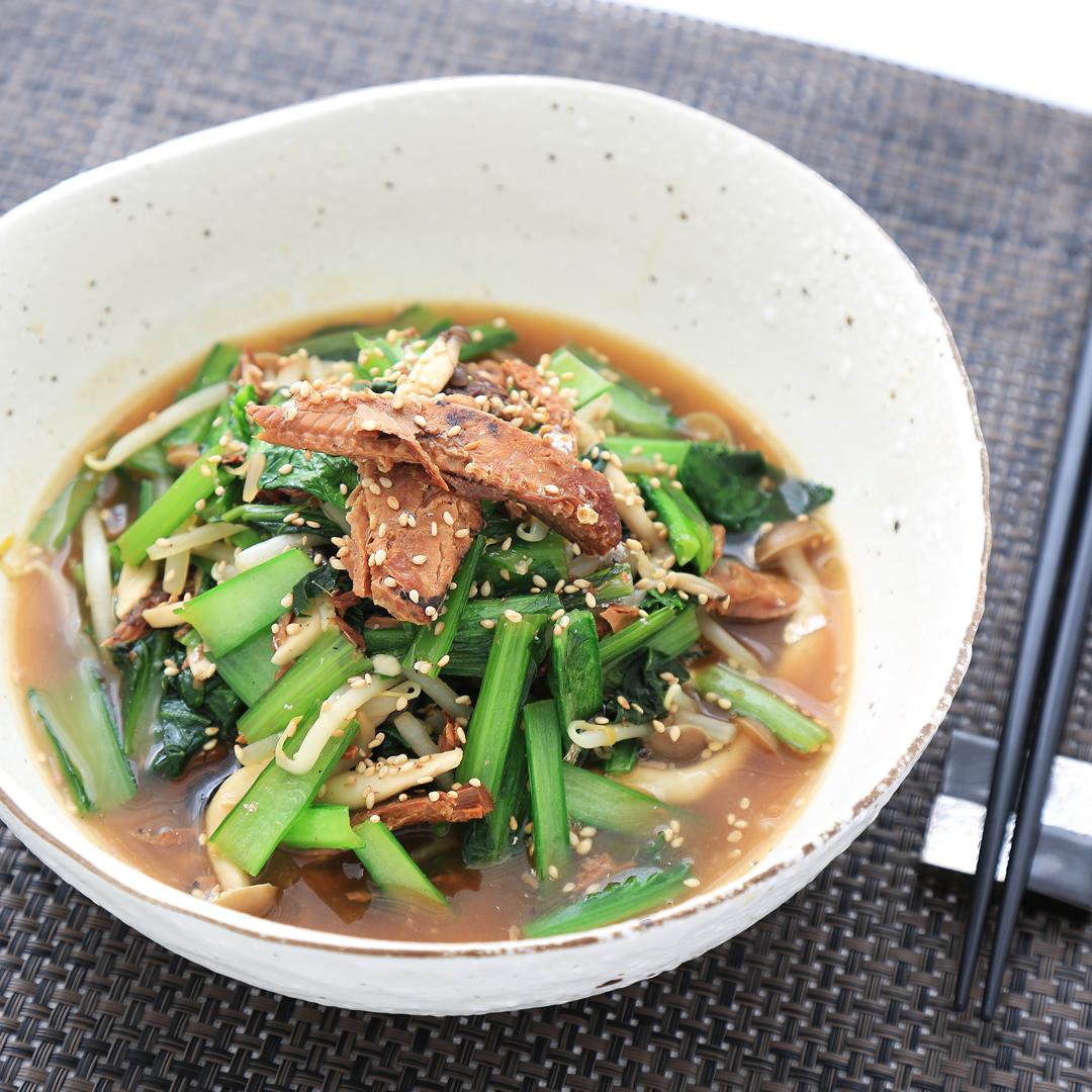 掛水さん家のサンマ缶と小松菜の煮物